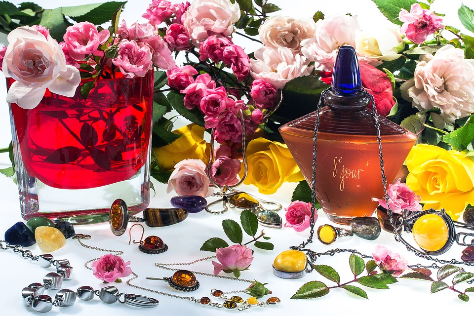 curs istoria parfumului